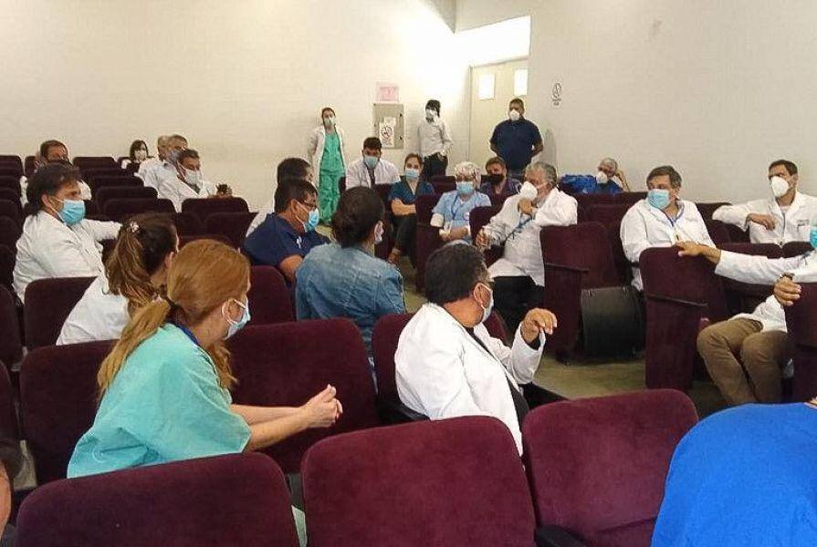 El ministro Esteban evaluó la situación epidemiológica de la Provincia junto a los gerentes de la Capital, al igual que la flexibilización del A.S.P.O., la provisión de medicamentos para las Unidades de Terapia Intensiva y la incorporación de recurso humano.