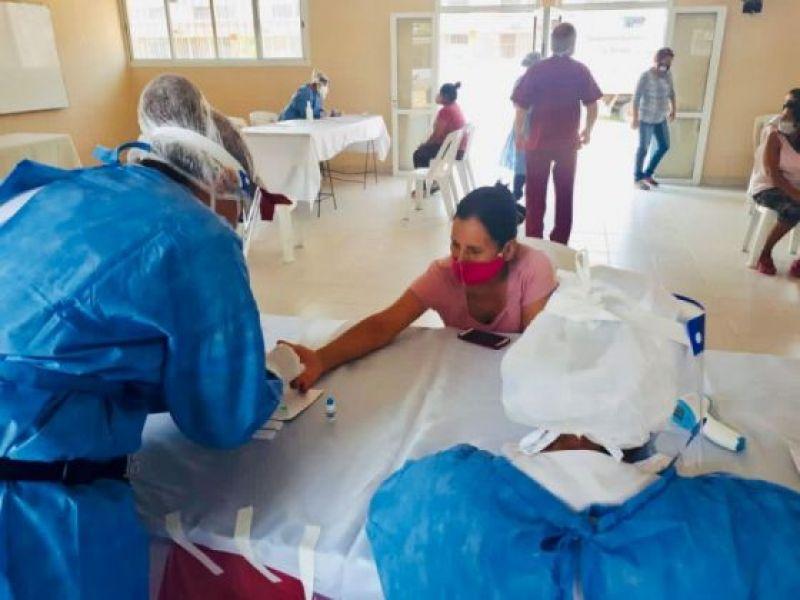 El Ministerio de Salud Pública comparte el reporte diario COVID-19 de la Provincia. Se incluye el detalle de casos por departamentos y localidades.