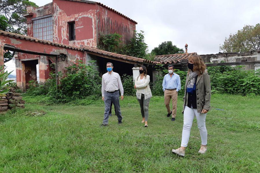 Funcionarios provinciales y nacionales visitaron el Fuerte de Cobos y la Finca El Carmen. El objetivo es poder concretar obras de consolidación, reforzamiento y restauración.