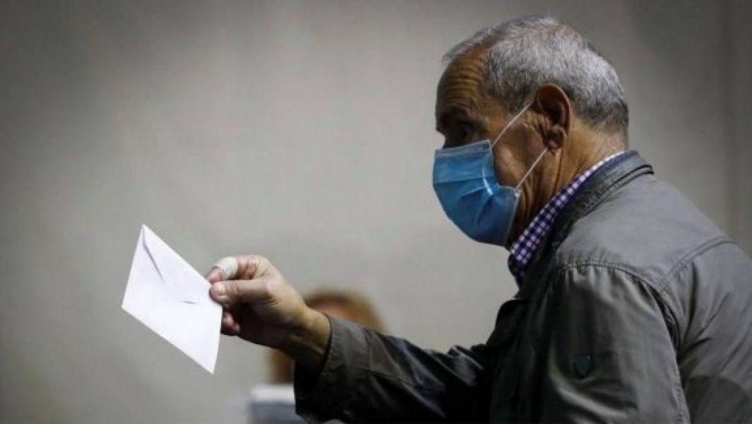 El Ministerio de Salud Pública recomienda a la población seguir las pautas de prevención, las normas de higiene y los cuidados pertinentes para evitar contagios de COVID-19 en los comicios provinciales.