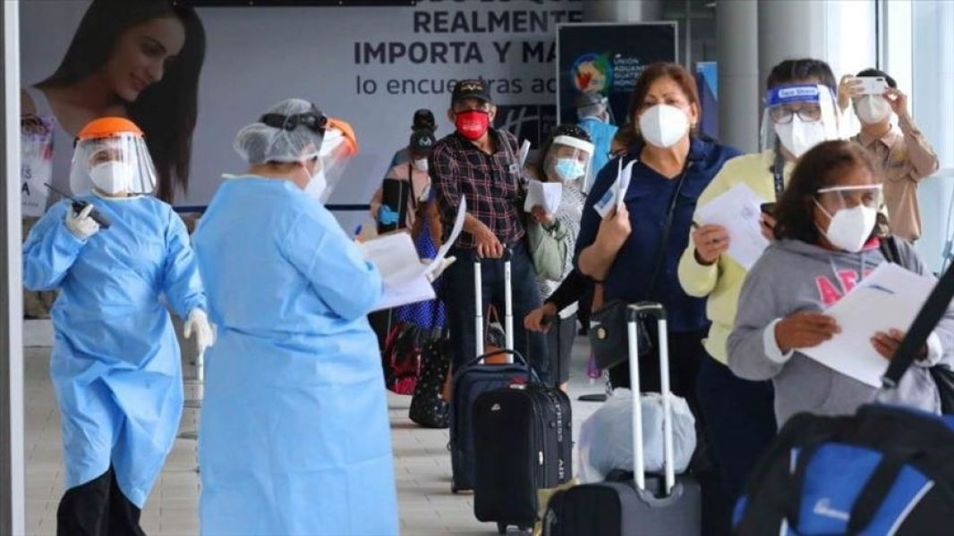 Provenientes de Estados Unidos, tres salteños fueron aislados al llegar a Salta en la primera quincena de agosto. Dos de ellos ya recibieron el alta epidemiológica. Mañana se conocerá el resultado del examen de la tercera persona.