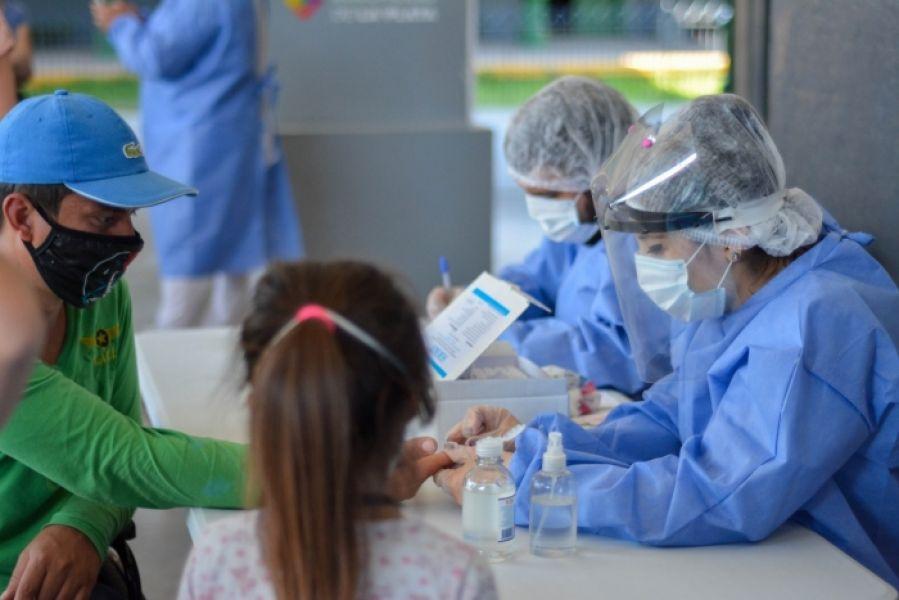 Los dispositivos funcionarán exclusivamente para personas que presenten sintomatología compatible con COVID-19. Los interesados deberán contar con la derivación de la aplicación SaltaCovid, de la línea de Atención Ciudadana 148 o con un pedido médico.