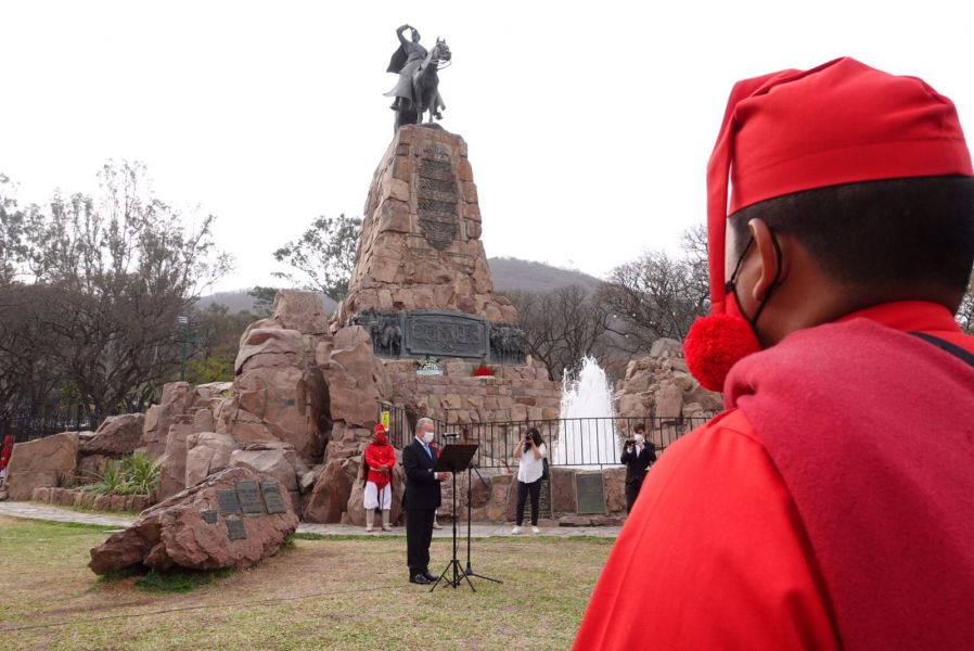 Paraguay rindió homenaje al General Güemes