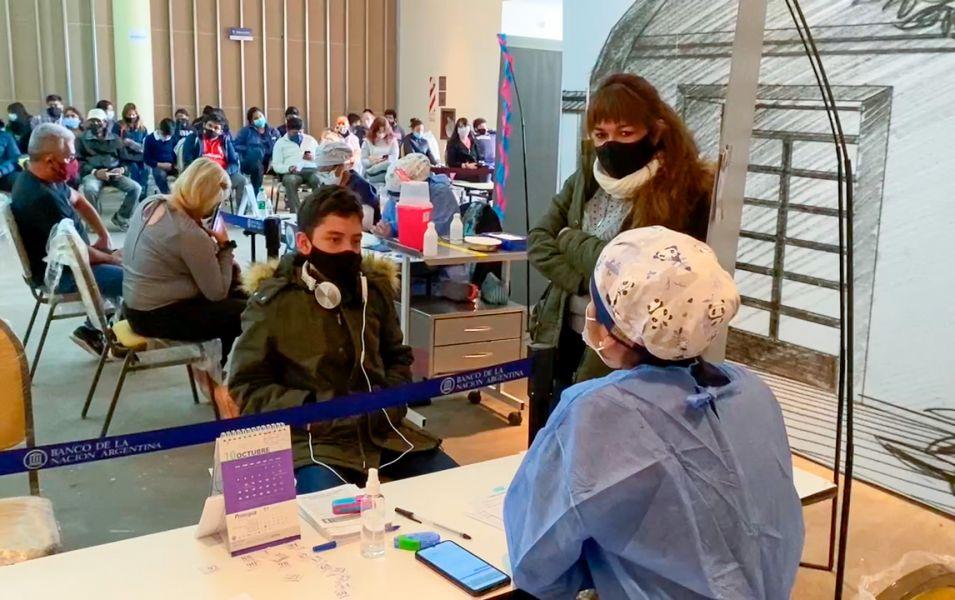 Comenzó la vacunación para adolescentes sin comorbilidades en Salta