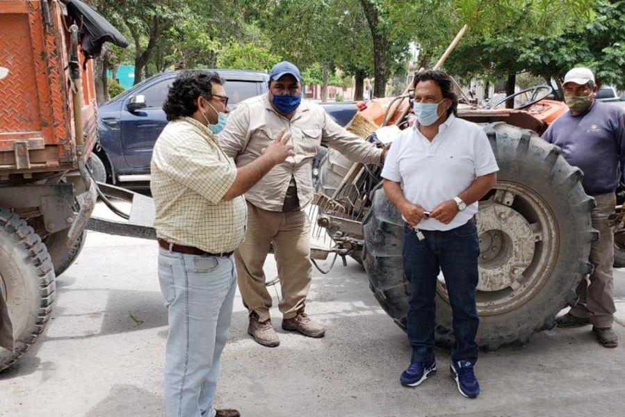 El gobernador Sáenz recorrió obras públicas en El Carril