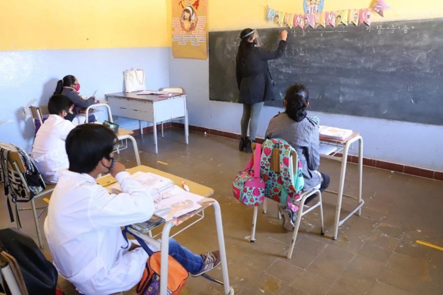 252-en-la-puna-saltenia-las-escuelas-de-regimen-de-verano-ya-tienen-clases-presenciales