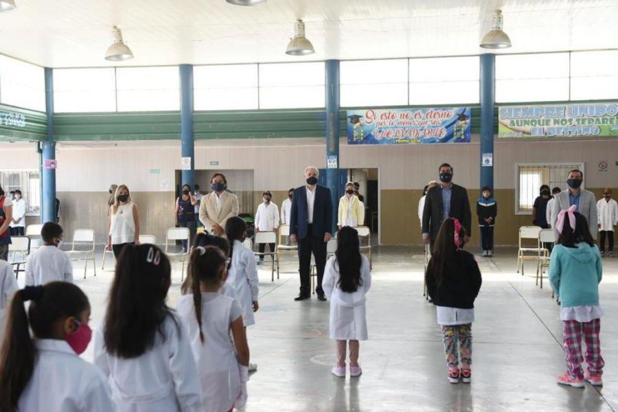 El Gobernador dio inicio al ciclo lectivo 2021 en la escuela Juan Valle de barrio Libertad
