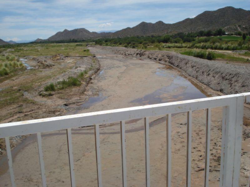 Encauzamiento del río Calchaquí en Seclantás