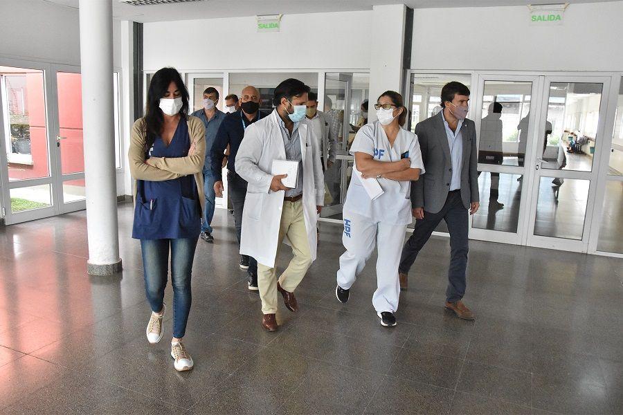 COVID-19: Supervisan el funcionamiento del hospital Papa Francisco