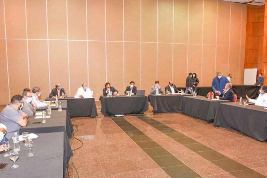 Reunión de Sáenz con los gerentes de los hospitales públicos salteños