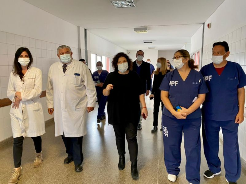 La ministra Vizzotti recorre la Central Operativa de Control y Seguimiento