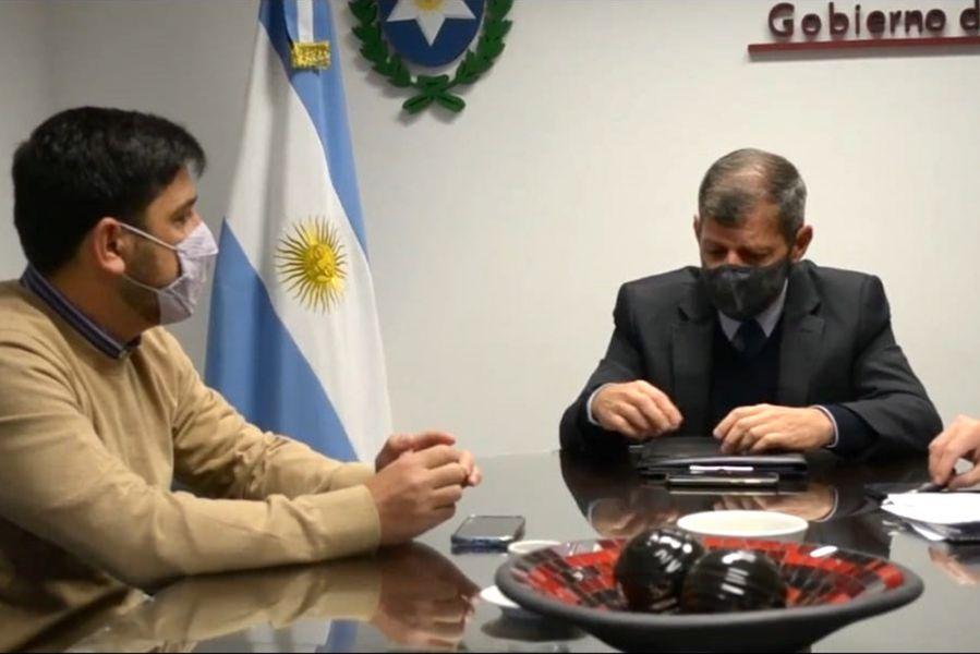 Reunión de funcionarios.