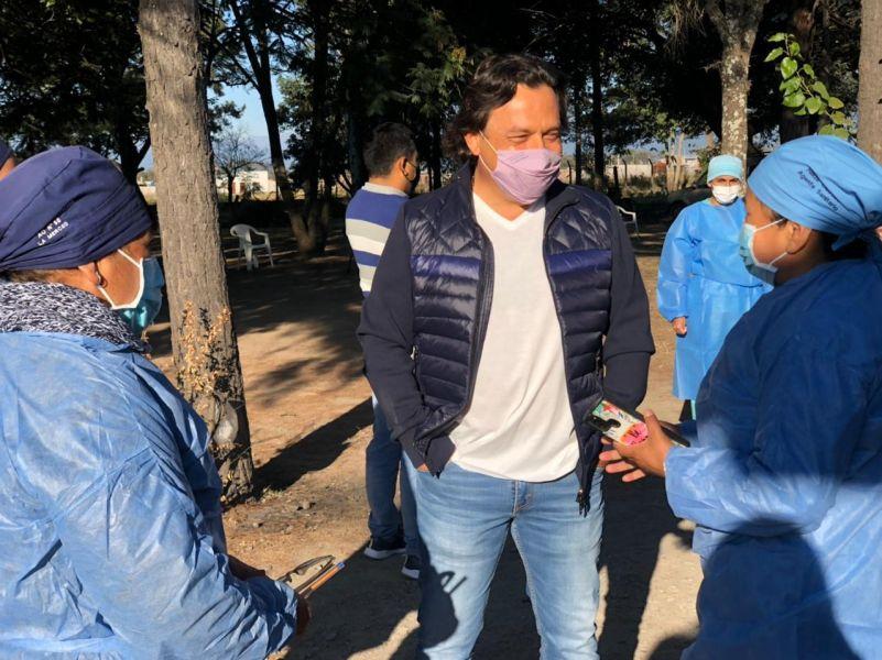 En La Merced, el gobernador Sáenz supervisó el operativo de vacunación