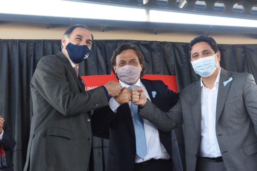 El gobernador Sáenz inauguró el recorrido del tren urbano al Valle de Lerma
