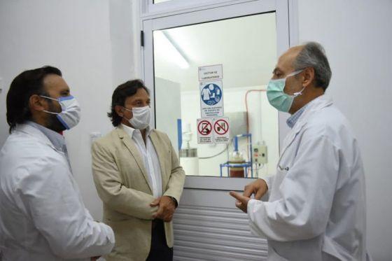 73758-saenz-recorrio-el-laboratorio-de-investigacion-y-biocontroladores