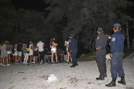 74301-clausuraron-13-fiestas-clandestinas-en-un-intenso-operativo-de-seguridad-sanitaria-20210125142