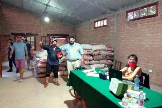 74317-mas-de-300-pequenios-productores-de-embarcacion-recibieron-forraje-para-paliar-la-sequia