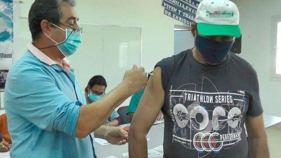 75699-vacunan-contra-covid-19-a-pacientes-con-cardiopatias-diabetes-tipo-2-y-vih