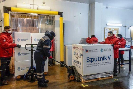 75910-la-provincia-recibio-una-nueva-partida-del-primer-componente-de-la-sputnik-v