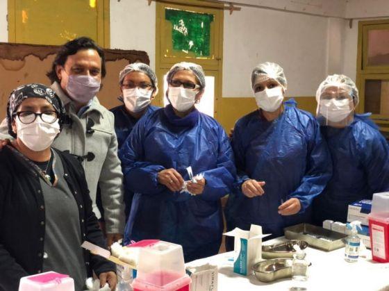El Gobernador Sáenz verificó el avance del operativo de vacunación contra COVID-19 en los Centros de Salud del Área Operativa Norte