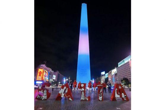 El Obelisco de Buenos Aires iluminado en honor a Güemes