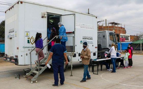 Hoy funcionarán cuatro vacunatorios móviles COVID-19 en la ciudad de Salta